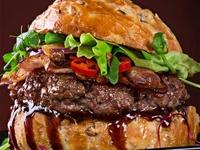 Lạ lùng món hamburger côn trùng