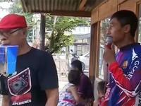 Rạp chiếu phim lưu động dành cho người nghèo ở Indonesia