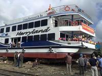 Đà Nẵng: Hạ thủy tàu du lịch composite đầu tiên