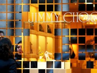 Michael Kors mua lại Jimmy Choo với giá 1,2 tỷ USD