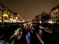 Trải nghiệm đi thuyền kayak đèn led mùa Giáng sinh tại Đan Mạch