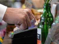 Nhẫn đeo tay giúp thanh toán tự động như quẹt thẻ