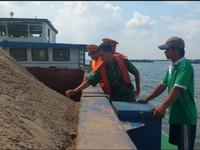 Siết chặt khai thác cát tránh gây sạt lở ở Cần Thơ