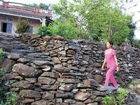 Độc đáo ngôi làng với những công trình xếp đá ở Phú Yên