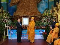 Tượng Phật bằng Hoa bất tử chùa Linh Phước Đà Lạt xác lập kỷ lục thế giới