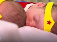 Halloween của những em bé sinh non trong phòng bệnh
