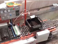 Độc đáo sáng chế máy gieo hạt chân không '6 trong 1'
