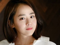 """""""Em gái quốc dân"""" Moon Geun Young bất ngờ nhập viện"""