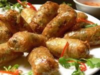 Ẩm thực Việt Nam hút khách tại Hội chợ từ thiện Ấn Độ