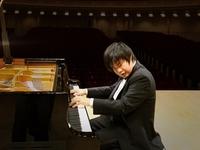 Nobuyuki Tsujii - Nghệ sĩ piano khiếm thị tài năng của Nhật Bản