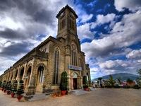 Vẻ đẹp khó cưỡng của nhà thờ Đá tại Nha Trang