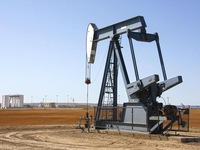 Giá dầu tăng mạnh khi các nhà máy lọc dầu hoạt động trở lại