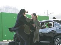 Lee Bo Young được khen ngợi hết lời vì cảnh hành động xuất thần