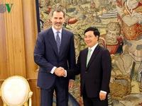 Phó Thủ tướng Phạm Bình Minh hội kiến Nhà vua Tây Ban Nha