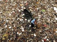 8 triệu tấn rác thải nhựa đổ ra đại dương mỗi năm