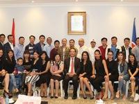 Đại sứ Việt Nam tại Qatar gặp mặt đại diện cộng đồng người Việt