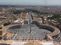 Dạo chơi vòng quanh thành Rome trên xe Vespa cổ