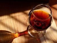 Một ly rượu tác động đến não và cơ thể thế nào?