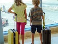 Từ nay, phái đẹp sẽ hết được diện quần legging khi đi máy bay?