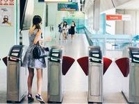 Singapore dùng thẻ quẹt trên các phương tiện giao thông công cộng