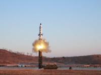 Mỹ, Hàn Quốc, Nhật Bản lên án mạnh mẽ Triều Tiên phóng tên lửa