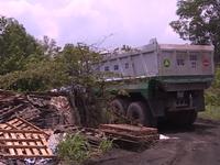Bắt quả tang vụ đổ thải công nghiệp lớn ở Biên Hòa