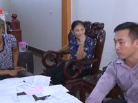Giáo viên bị đình chỉ công tác vì tố cáo hiệu trưởng lạm thu