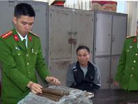 Bắt giữ đối tượng vận chuyển thuốc nổ trái phép ở Nghệ An