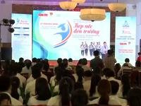 Trao học bổng cho sinh viên nghèo học giỏi tại Quảng Nam và Đà Nẵng
