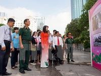 Triển lãm ảnh 'Chủ tịch Hồ Chí Minh sống mãi trong lòng dân tộc Việt Nam'