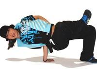 Nghệ sĩ Pháp gốc Nhật độc diễn múa kết hợp breakdance