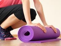 Mua thảm tập yoga giá rẻ, 'rước' luôn đống bệnh tật về nhà