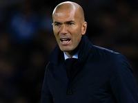 HLV Zidane bật mí chính sách chuyển nhượng của Real trong tháng 1/2018