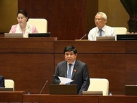 Lawmakers discuss draft laws on 11th working day