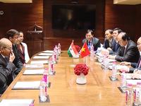 Thủ tướng Nguyễn Xuân Phúc tiếp các tập đoàn lớn của Ấn Độ