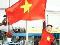 Người hâm mộ tưng bừng lên đường sang Thường Châu cổ vũ cho U23 Việt Nam