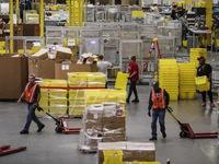 Nhân viên Amazon được tăng lương nhưng mất thưởng hàng tháng