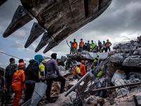 Thảm họa động đất, sóng thần ở Indonesia: Số người chết lên tới gần 2.000 người