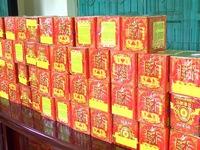 Bắt đối tượng vận chuyển gần 50kg pháo lậu từ Lào về Việt Nam