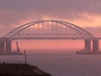 Sau vụ bắn vào tàu Ukraine, Nga mở cửa trở lại eo biển Kerch