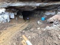 Hơn 100 người tìm kiếm 2 người mất tích trong vụ sập hầm vàng ở Hòa Bình