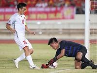 AFF Cup 2018: Văn Quyết gặp chấn thương sau trận gặp Lào, nhưng không đáng lo