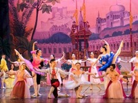 Ballet 'Nutcracker' comes to Hanoi stage with modern vibrant remake
