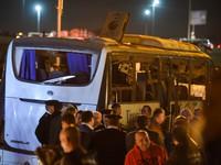 Thủ tướng gửi lời thăm hỏi, chia buồn sâu sắc tới gia đình nạn nhân vụ đánh bom xe chở du khách Việt ở Ai Cập