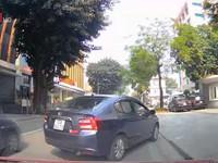 Clip: Bất chấp nguy hiểm ngang nhiên lùi xe trên đường một chiều