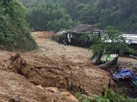 Landslides cause problems for the people of Quang Ngai