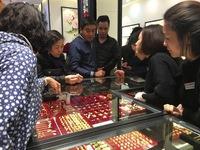 Ngày vía Thần tài có nhất định phải mua vàng mới may mắn?
