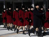 Hơn 300 nữ cổ động viên xinh đẹp Triều Tiên đến Hàn Quốc