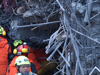 Đài Loan nỗ lực tìm người mất tích sau vụ động đất