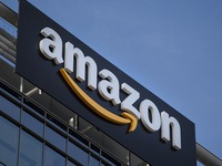 Những thông điệp Twitter của Tổng thống Trump khiến cổ phiếu Amazon lao dốc mạnh